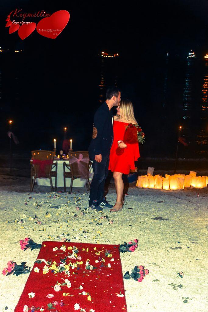 Kumsalda-evlilik-teklifi-kiymetlim-organizasyon