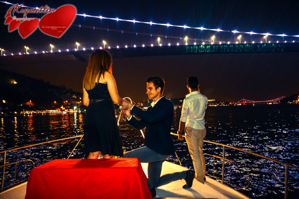 yatta lazerle evlilik teklifi