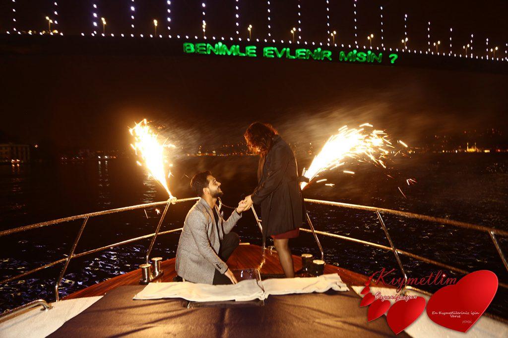 yatta lazerle evlilik teklifi - evlilik teklifi organizasyonları - Kıymetlim Organizasyon