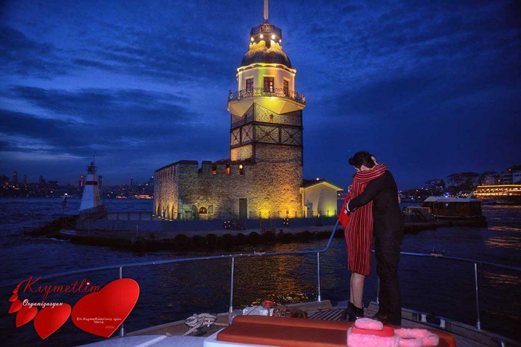 Kız Kulesi Önünde Evlilik Teklifi - Sürpriz Evlilik Teklifi organizasyonu - Kıymetlim Organizasyon