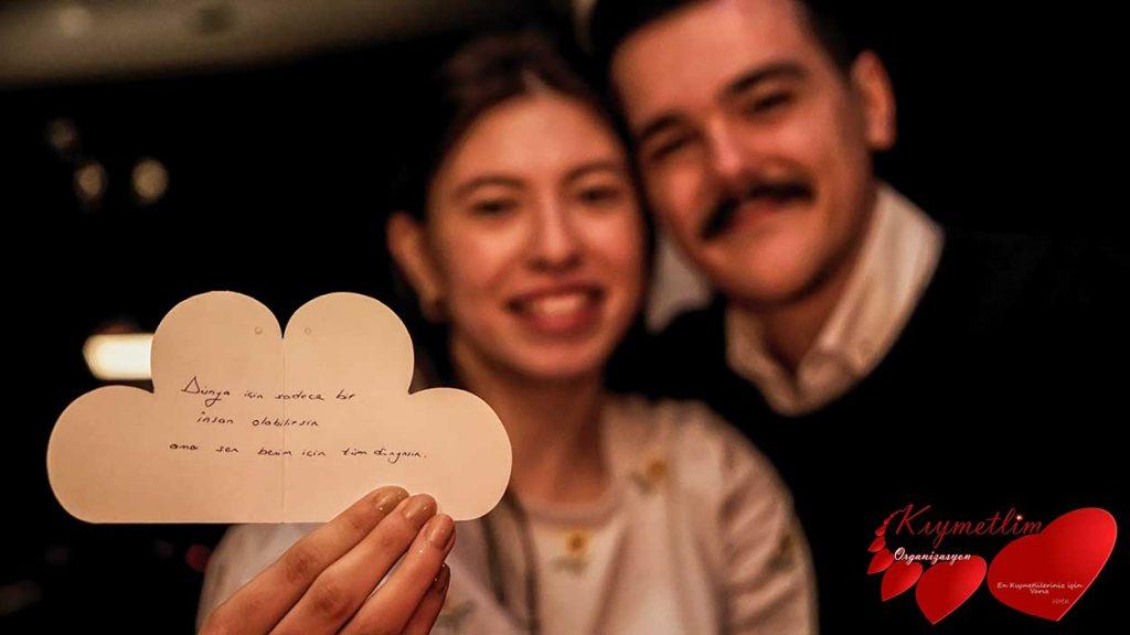lazer Gösterisi ile Yatta Evlilik Teklifi - Sürpriz Evlilik Teklifleri - Evlilik Teklifi Organizasyonları - KIYMETLİM ORGANİZASYON