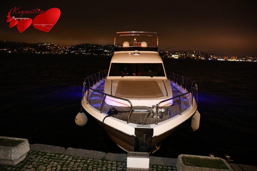 Yat ve Tekne Kiralama - Evora Yatı - Yat Hizmetleri - KIYMETLİM ORGANİZASYON