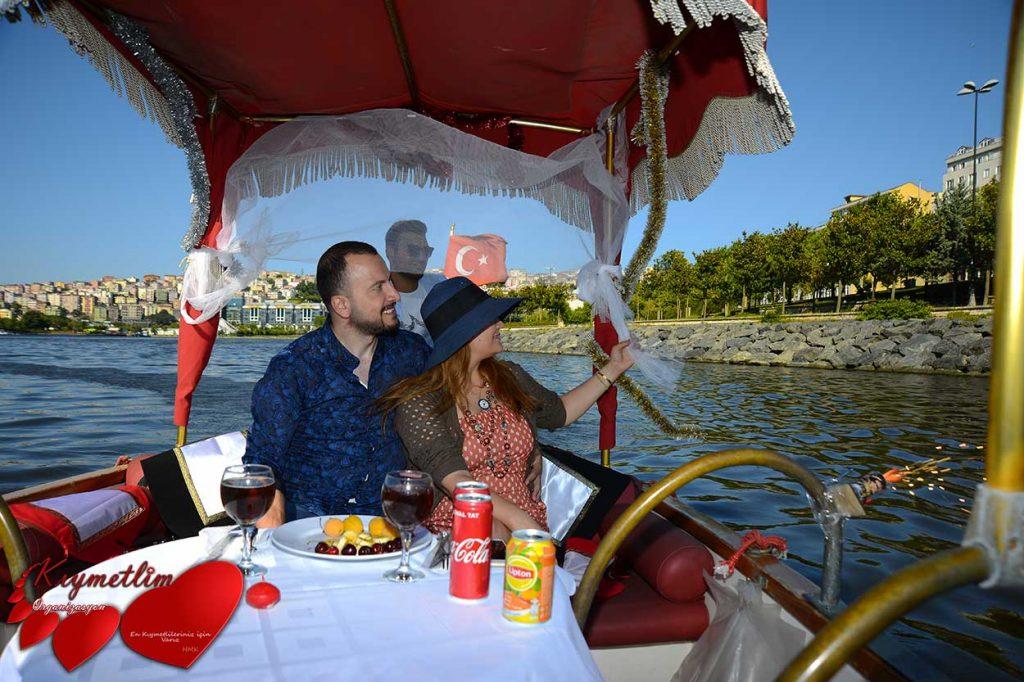 Gondolla evlilik teklifi - sürpriz evlilik teklifi organizasyonları - Kıymetlim Organizasyon