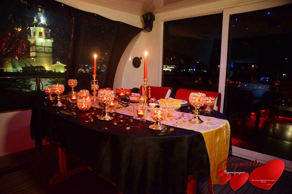 Kız Kulesinden Boğaza Uzanan Sihir - Kız Kulesi Yat Lazer - Evlilik Teklifleri - Kıymetlim Organizasyon