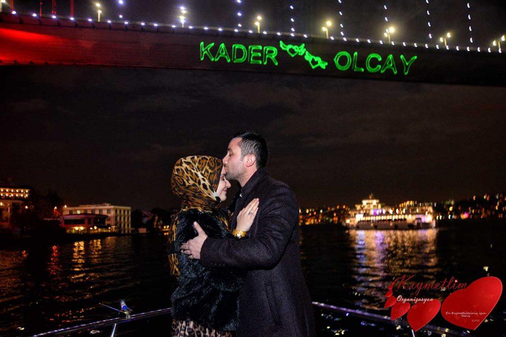 lazer gösterisi ile yatta evlilik teklifi - evilik teklifi organizasyonları - kıymetlim organizasyon
