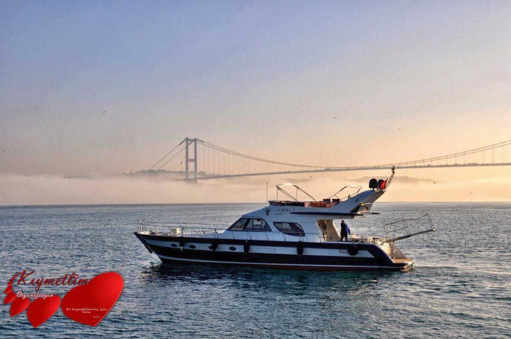 almira 2 yatı - yat kiralama - tekne kiralama - yüzme turu - yat hizmetleri - kıymetlim organizasyon