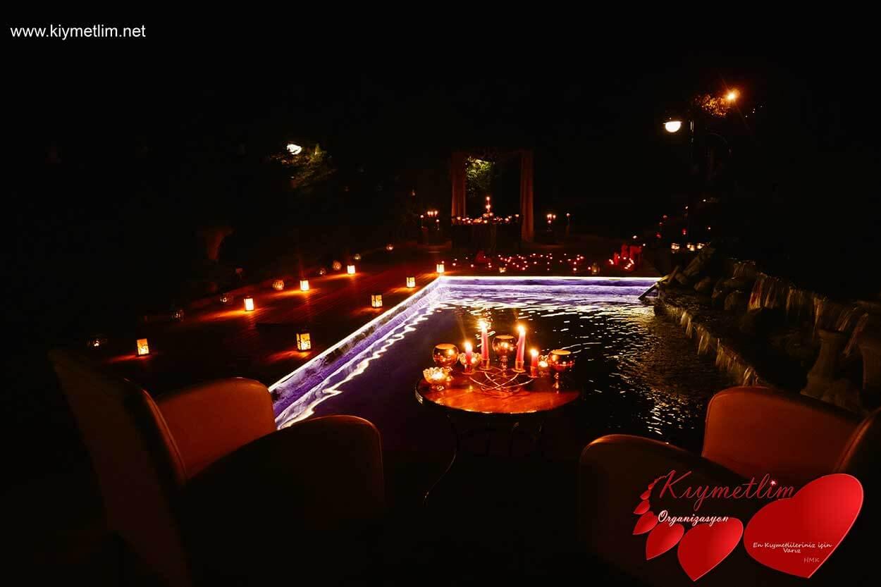 Havuz Başında Evlilik Teklifi - Baş başa Romantik Evlilik Teklifi - Evlilik Teklifi Organizasyonları - Kıymetlim Organizasyon